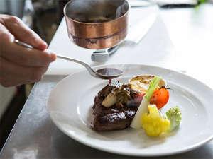 季節の食材が愉しめるお食事をご用意しております。