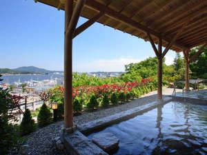 気仙沼港を望む露天風呂