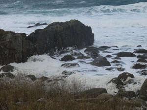 越前海岸の冬の波