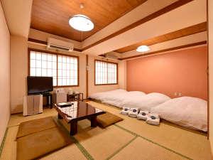 *和室12畳(客室一例)/グループやご家族でのご宿泊に◎ゆったり広々としたお部屋でお寛ぎ下さい。