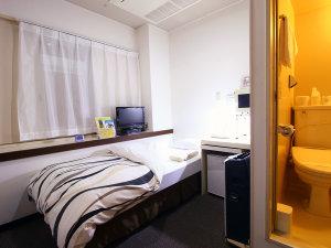 シングル禁煙ルーム◆コンパクトながら機能的で清潔感のある客室