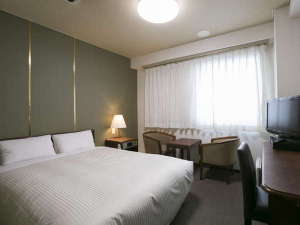 ダブルスタンダード 16平米 ベッド幅140cm
