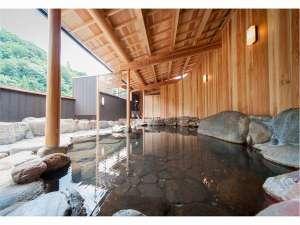 【リニューアルオープン・露天風呂】三朝川を望む解放感とせせらぎの音が心地良い♪