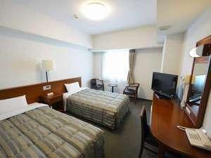 ◆ツイン◆ベッドサイズ110cm×200cm ◆WOWOW 全室 視聴可能 ◆加湿機能付き空気清浄機 全室完備