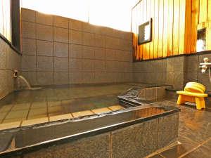 明治25年の創業以来、「紀州のかくれ湯」として愛されて来た好評の温泉です。