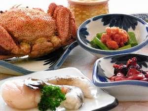 ご夕食の一例です。新鮮魚介は利尻の味覚が揃っています【内容は変更する場合があります】