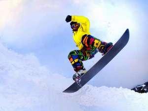 【スノーボードイメージ】冬の新潟の楽しみ!スキー・スノボを満喫♪