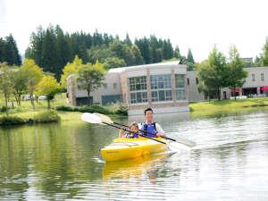 【カヌー体験】夏季限定の人気アクティビティ ※お子様は保護者同伴でご利用ください。」