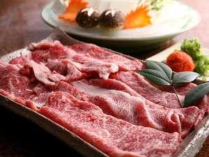 黒毛和牛しゃぶしゃぶコースでお出ししています。地元農場産の牛肉を使用しております。