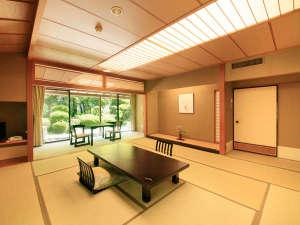 【和室12.5畳+ツインルーム】和のしつらえに心を休め、贅沢なひとときをお過ごし下さい