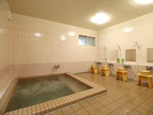 お風呂はジャグジー付き!足を伸ばしてのんびりとお寛ぎ下さい。