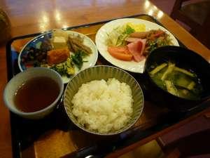 【朝食バイキング】あつあつのお味噌汁とご飯で/例