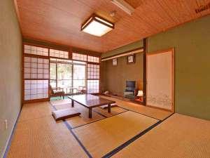 *和室10畳(客室一例)/畳の香りがほのかに薫るお部屋で団欒のひと時をお過ごし下さい。