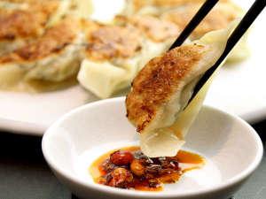【夕食一例】気軽に贅沢中華を味わえる!本場の味焼き餃子