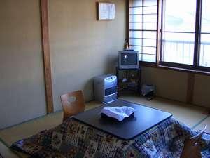 和室6畳の静かで落ち着いたお部屋です。