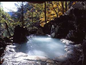 秋、露天風呂