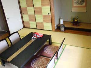 *和洋室(客室一例)/和と洋、両方の良さを味わえるお部屋の和室です。