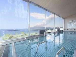 【大浴場 さくらじま】開放的な大窓からは錦江湾・桜島を望むことができます。