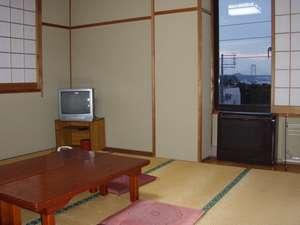 和室8畳のお部屋です
