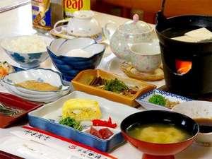 ■朝食一例■朝食は、ふわふわの出汁巻きや焼き魚を中心とした素朴な和定食をご用意致します。