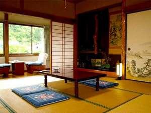 ■和室一例■新しいとはいえないお部屋ですが、のんびりお過ごしいただけます。