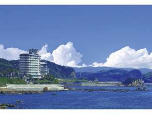 鹿児島県側から見える志布志湾大黒リゾートホテル
