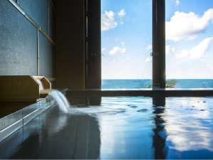 <温泉貸切風呂 海の湯>丹後の海に浸かるように温泉をお楽しみください。