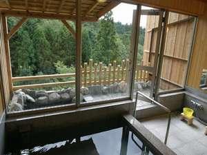 石川の紅葉スポット近くの温泉宿・紅葉露天のある宿県 料理旅館 七尾城