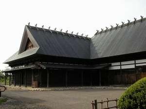 古き良き時代の民家を再現した奥羽山荘離れの別館「あか松庵」は1組限定の貸切のお宿です。