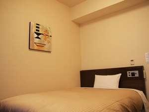スタンダードシングルルームベッドサイズ140×196(cm)無料インターネット完備
