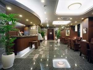 1階ロビーにはインターネット、セルフコーヒー、新聞閲覧の各コーナーがございます。(無料)