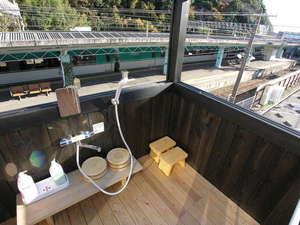鉄道好きにはたまらないトレインビュー♪■向こうに見えるはオーシャンアロー。引き戸開閉可能です。