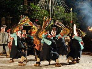 国の重要無形民俗文化財「八戸えんぶり」は、八戸地方に春を呼ぶ豊年祈願の郷土芸能です。