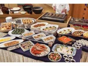 郷土料理も楽しめる和洋バイキング!