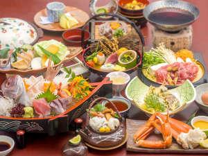 【秋の宝石箱会席】小鯛の姿造り・ズワイ蟹・松茸と岡山和牛のスキヤキ・鮑の陶板焼き
