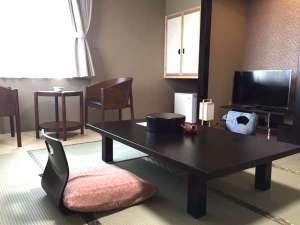 和室8畳ゆったりとした空間で旅の疲れを癒しましょう。