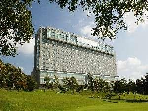 雄大な自然と都市機能が調和したリゾートホテル