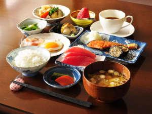 【朝食】口コミで高評価!品数豊富な朝ごはんをご提供いたします