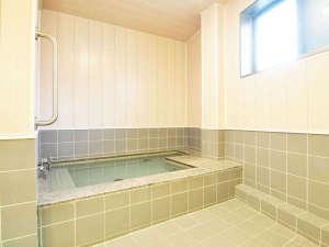【男性浴場】湯船にゆっくりつかって疲れを癒してください