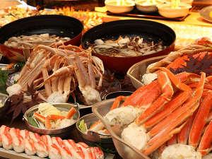 ■「ロイヤルビュッフェ」で楽しめる冬の味覚、蟹をご堪能ください