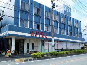 ビジネスホテルかねくら外観 観光の拠点にも便利な立地です。*