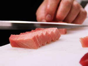 確かな腕をもつ主人がふるまう八光の料理。