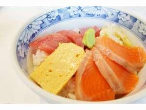 朝食・・・築地に泊まるならコレで決まり!大人気朝食「まぐろサーモン丼」☆彡