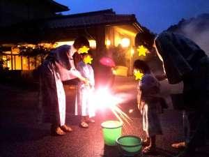 夕食後は家族みんなで楽しめる花火をお子様にプレゼントしております