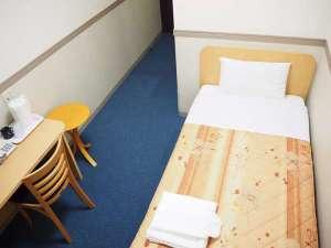 首相官邸御用達のオリバー社製のベッドマットを使っています。