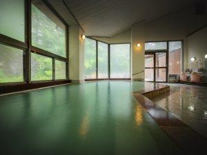 【蔵王温泉】広々とした自慢の内湯は自家源泉100%