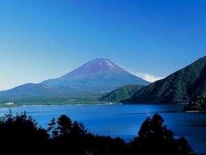 本栖湖までは当宿より車で30分!山梨から長野とアクセス至便