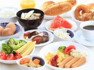 7:00~9:00まで1Fラウンジにて朝食をご用意しております。