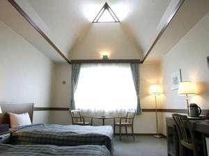 【スタンダードツイン】広々としたゼミダブルのベッド♪ご希望で壁寄せでご用意することもできます。