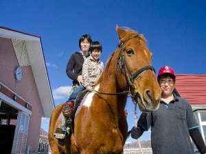お子様と一緒にひき馬体験はいかがですか♪